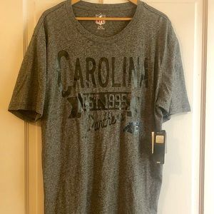 🏷SALE🟣Carolina Panthers Football NFL Tee Shirt.